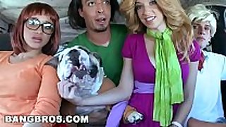 Bangbros - lalin amateur white women luna star bouncing her bulky as...