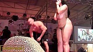 Bbw black brown fucking big schlong on stage