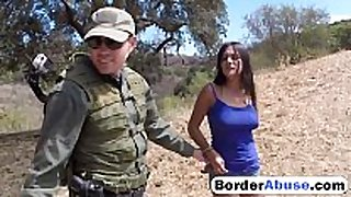 Border patrol catches sexy civilian BBC wench and fu...