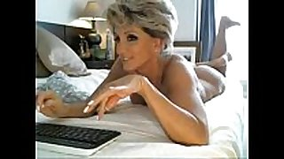 Hottest milf ever rides sex tool - cam19.org