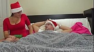 Aunt amateur christmas gift - www.lesbianvidsfr...