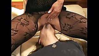 Pantyhose face sitting and oral-service sex on a bed