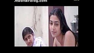 Aishwarya-tabu-bathing-