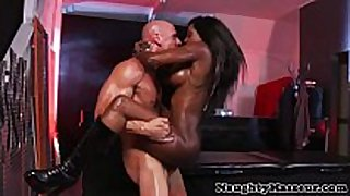 Kinky masseuse diamond jackson booty fucked