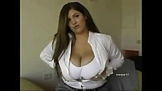 Huge breasted bbw feels excited