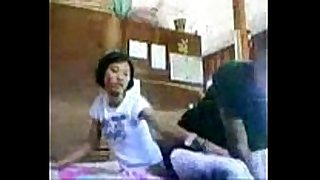 Remaja main dirumah nenek