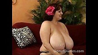 Sexy bbw wet crack fuck and cum on her titties