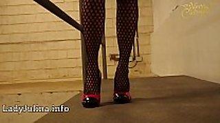 Mature wetlook herrin carmen walk high-heels fi...